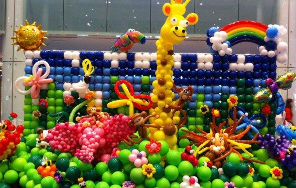Как украсить шарами детский