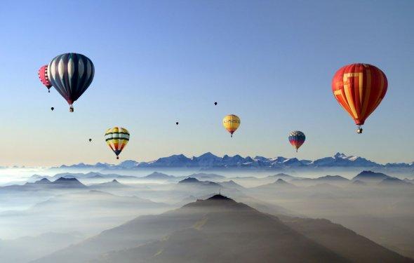 Обои Красивые воздушные шары